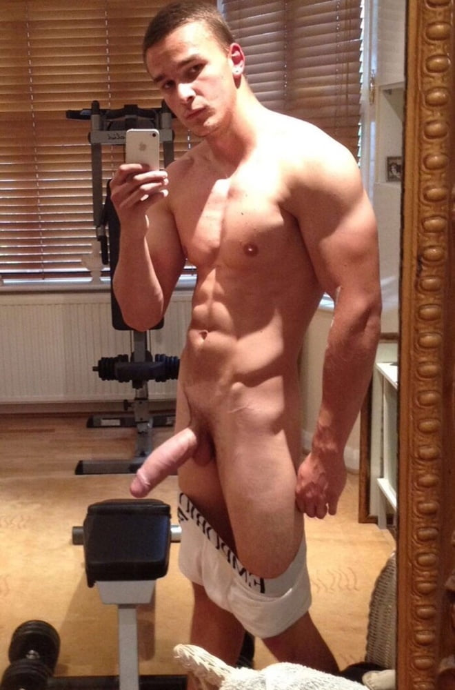 nude male selfies 60